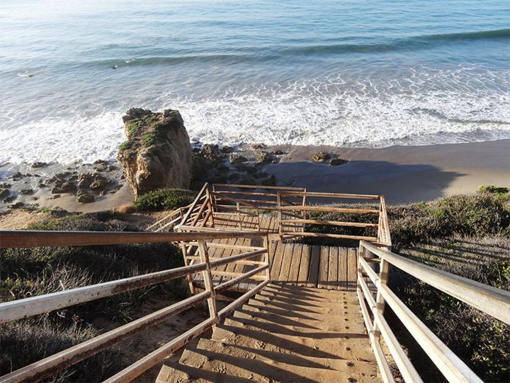 malibu_beach_stairs.0.jpeg